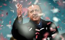 Presidente turco Recep Tayyip Erdogan durante um comício na Turquia