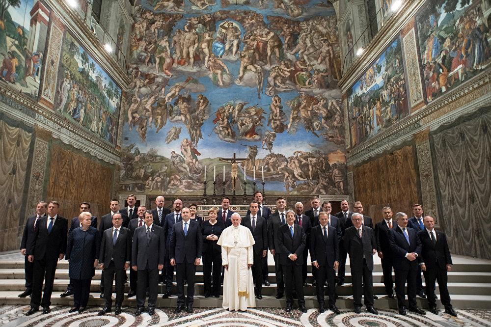 Papa Francisco e representantes da UE no Vaticano, em cerimônia de comemoração dos 60 anos do Tratado de Roma