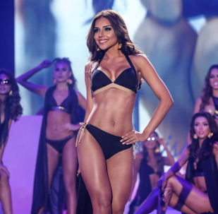 Miss Cartagena, Laura Gonzalez, aparece no pódio durante o final da competição Miss Colômbia 2017 na cidade de Cartagena, em 20 de março