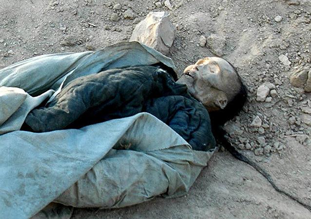 Um dos seis corpos bem preservados desenterrado durante os trabalhos de construção em Turfan, região de Xinjiang, China, 05 de janeiro de 2009