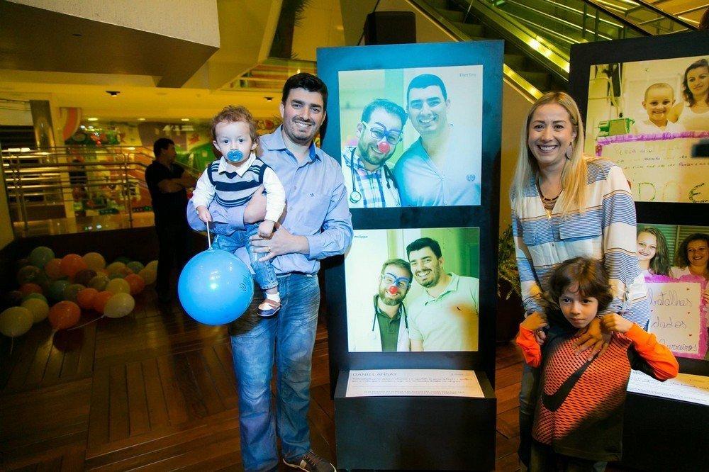 Cinco anos depois, Daniel curado apresenta sua família