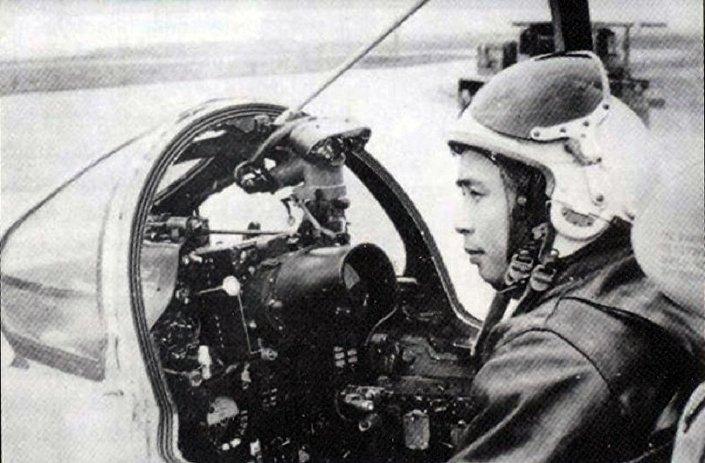 Piloto Mai Van Cuong que estudou na União Soviética, pilotava um jato MiG-21 e abateu cinco aviões dos EUA