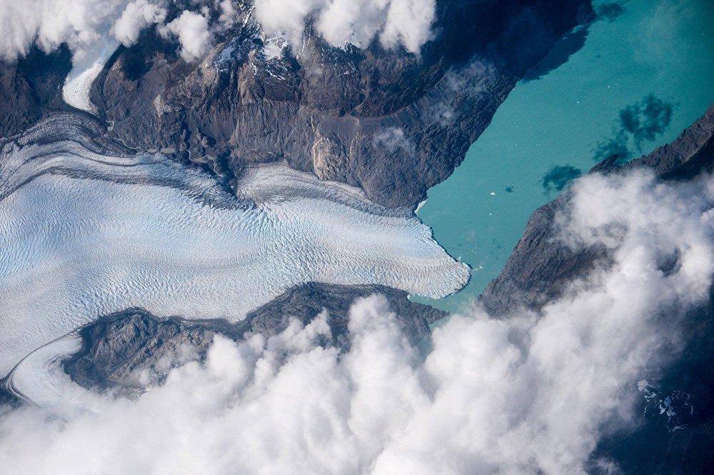 No âmbito do experimento Furação realiza-se o monitório dos glaciares de Patagônia (região geográfica da Argentina) a partir da EEI