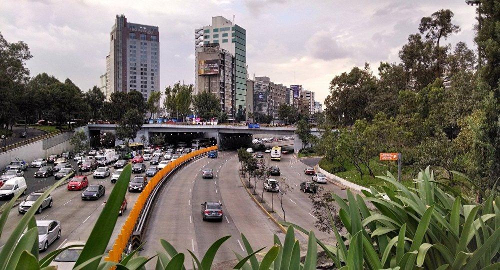 Autoridades ainda não sabem o motivo do desabamento na capital mexicana