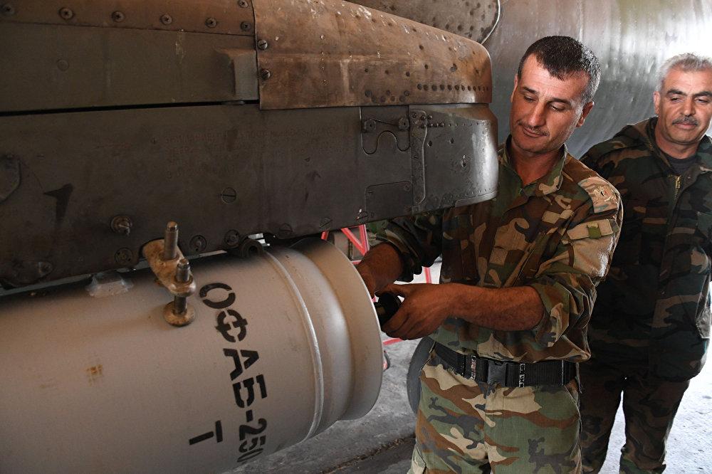 Os Estados Unidos lançaram pelo menos 59 mísseis de cruzeiro na noite desta quinta-feira em um aeródromo sírio, localizado próximo à cidade de Homs