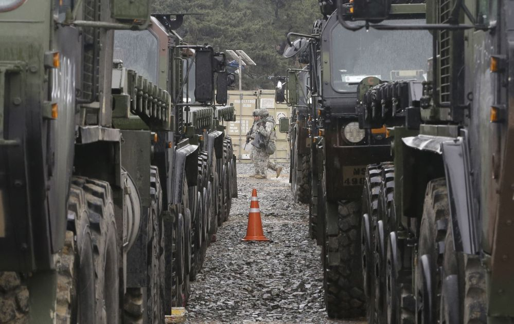 Marines dos EUA durante treinamentos conjuntos dos EUA e Coreia do Sul em Pohang, a 260 km de Seul, 11 de abrir de 2017