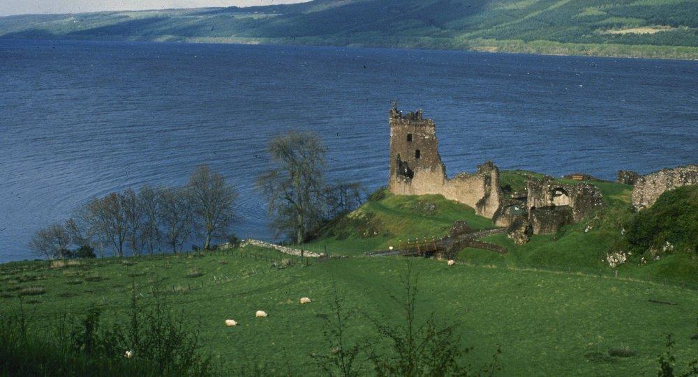 Lago Ness de 32 quilômetros de comprimento – a casa do monstro do Lago Ness, Escócia