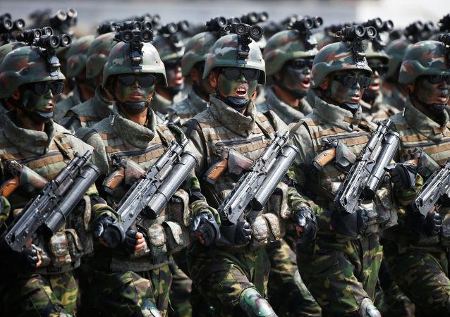 A marcha dedicada ao aniversário de Kim Il-sung, tropas especiais