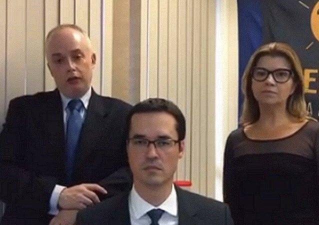 Os procuradores da Lava Jato pedem que a sociedade diga não ao Projeto de Lei de Abuso de Autoridade dos Senadores Renan e Requião