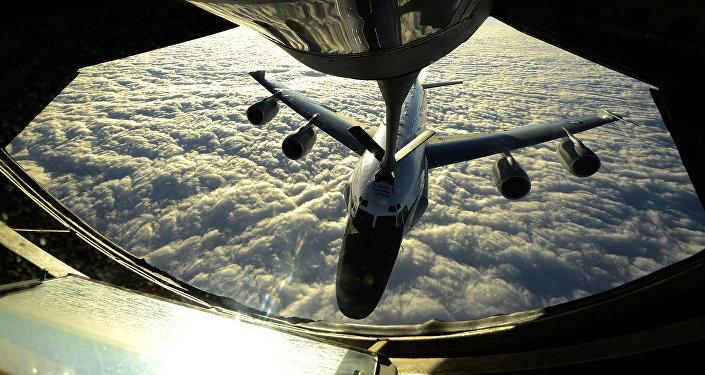 Um RC-135W