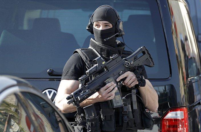 Um policial do RAID