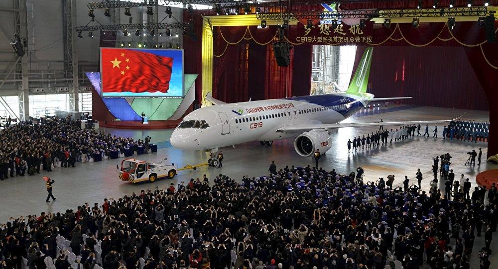 O primeiro avião de passageiros chinês C919
