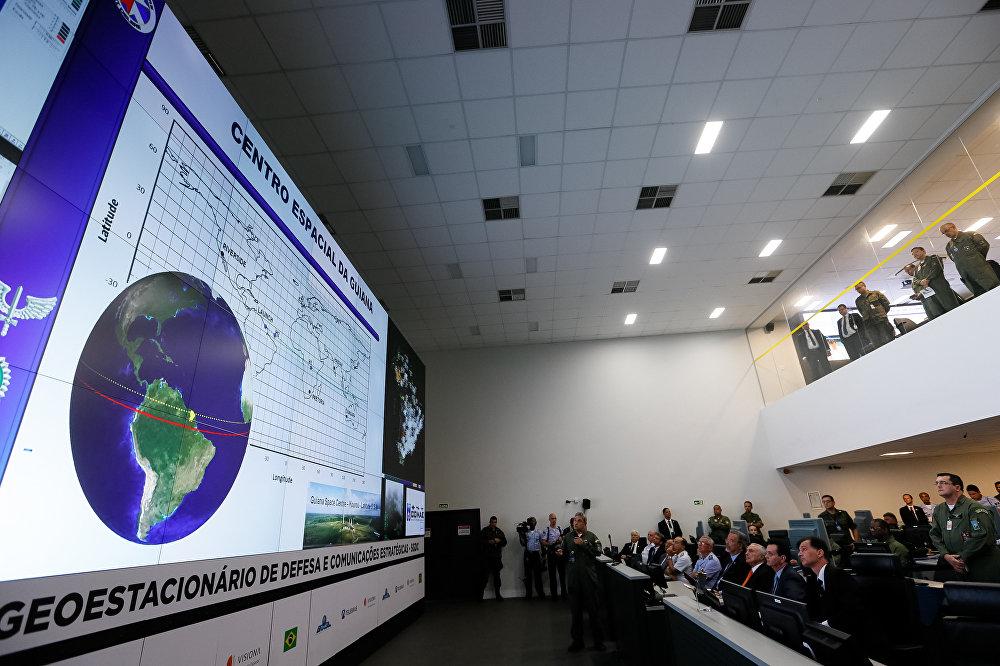 Presidente Michel Temer participa do lançamento do satélite brasileiro que será usado para comunicações e defesa
