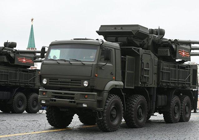 Uma unidade do sistema russo Pantsir-S1 é visto na Praça Vermelha de Moscou durante a Parada da Vitória de 9 de maio de 2017