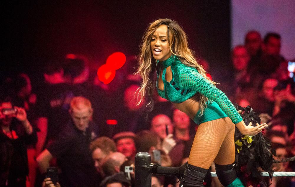 Atriz Alicia Fox no show do WWE em Lille, França