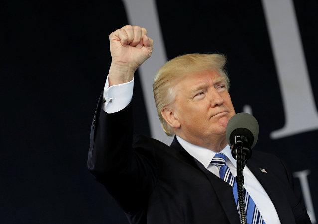Donald Trump, presidente dos EUA, depois do discurso em Lynchburg, Virginia