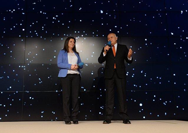 Dmitry Kiselev, diretor-geral da agência de notícias Rossiya Segodnya e a editora-chefe da Sputnik, Margarita Simonyan (foto de arquivo)