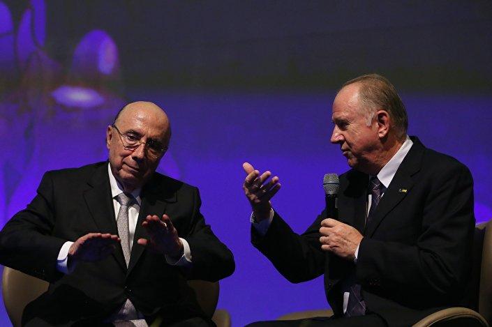 O ministro da Fazenda, Henrique Meirelles, e o presidente da Confederação Nacional de Municípios, Paulo Ziulkoski, durante plenária na 20ª Marcha a Brasília em Defesa dos Municípios