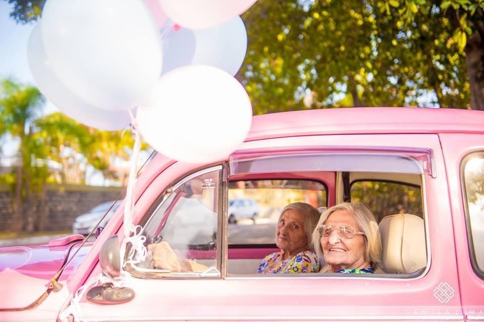 Paulina e Maria Pignaton Pandolfi, gêmeas centenárias e fotogênicas do Espírito Santo