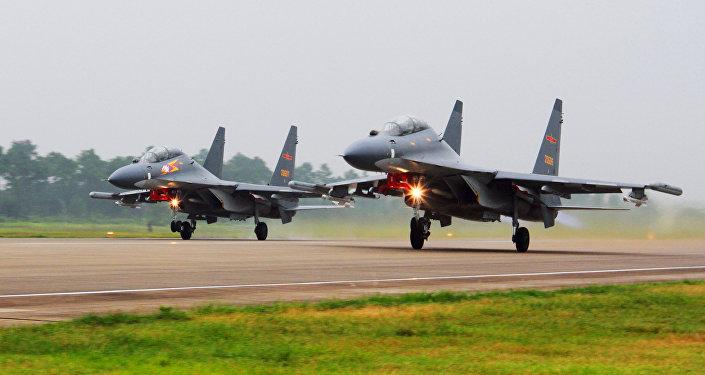 Caças Su-30 da Força Aérea chinesa (foto de arquivo)