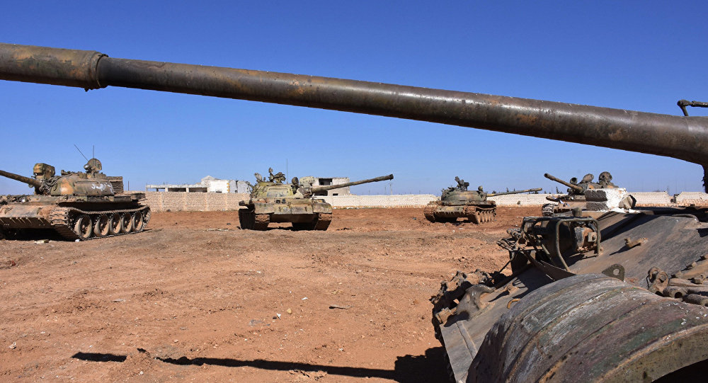 Tanques do exército sírio em Aleppo (arquivo)