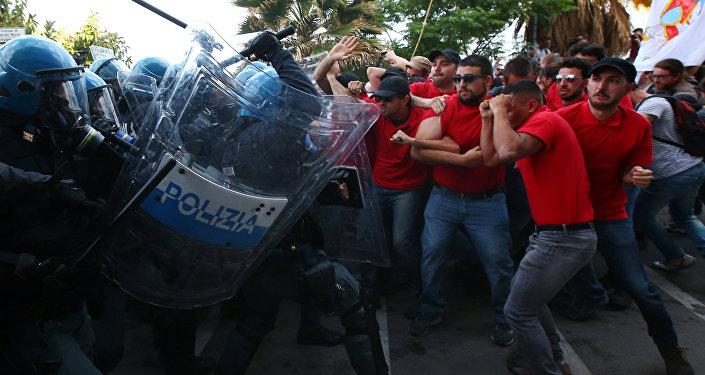 Protestos contra G7 terminam em confronto na Itália
