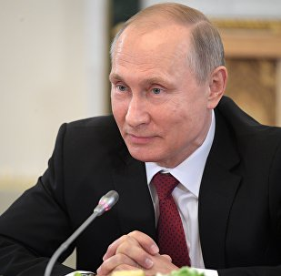 Vladimir Putin, presidente da Rússia, responde às perguntas dos jornalistas internacionais por ocasião da abertura do Fórum Econômico Internacional de São Petersburgo 2017, 1 de junho de 2017