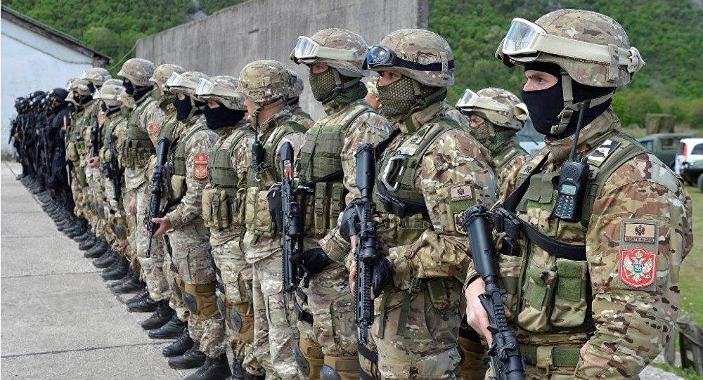 Soldados da Brigada das Forças Especiais de Montenegro