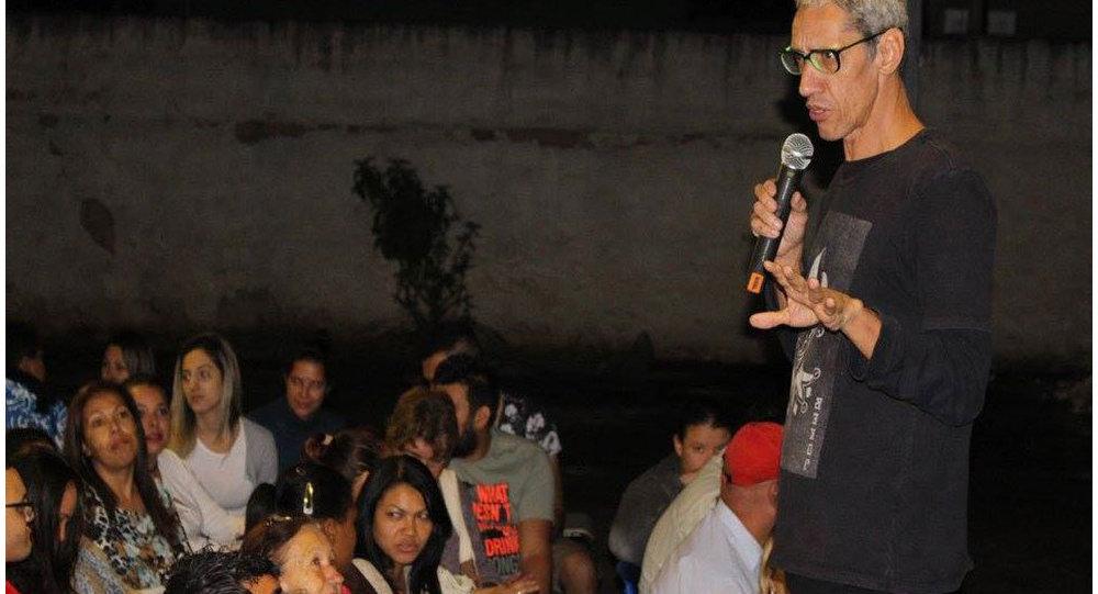 Escritor, humorista e ex-usuário de crack Márcio Américo