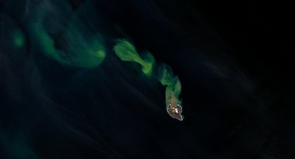 A ilha de Bogoslof que se encontra no meio da cadeia da Cordilheira Aleutiana, Alasca