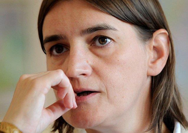 Ana Brnabic é a primeira mulher a assumir o posto de primeira-ministra na história da Sérvia