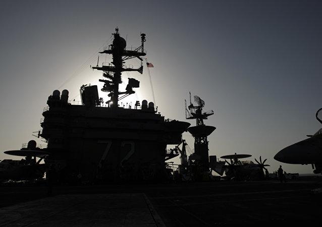 Porta-aviões nuclear Abraham Lincoln da Marinha dos EUA, foto de arquivo