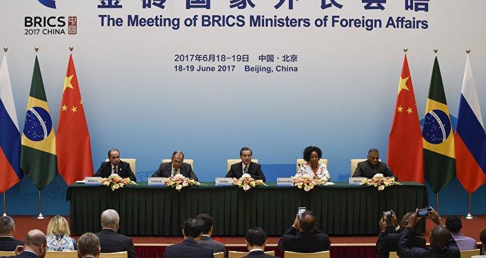 Reunião entre os ministros das Relações Exteriores dos países-membros do BRICS em 19 de junho de 2017 em Pequim