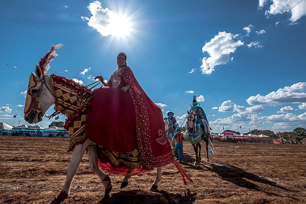 No Mato Grosso, a tradição começou em 1769, em comemoração à chegada de Luiz Pinto de Souza Coutinho, terceiro governador do estado