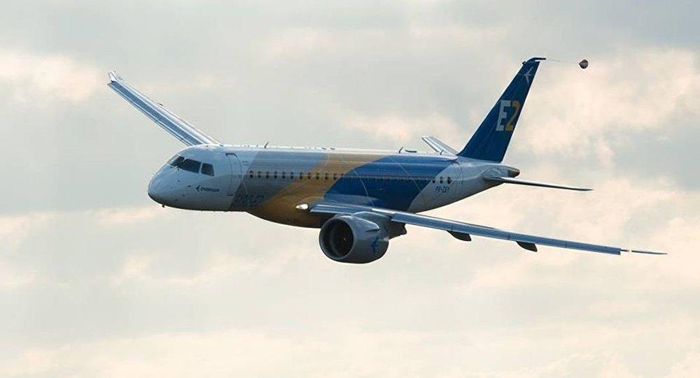 Imagem da segunda geração do modelo E190, da empresa brasileira de aviação Embraer