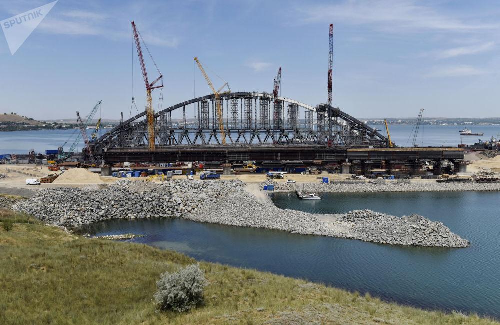 Progresso na construção da ponte da Crimeia