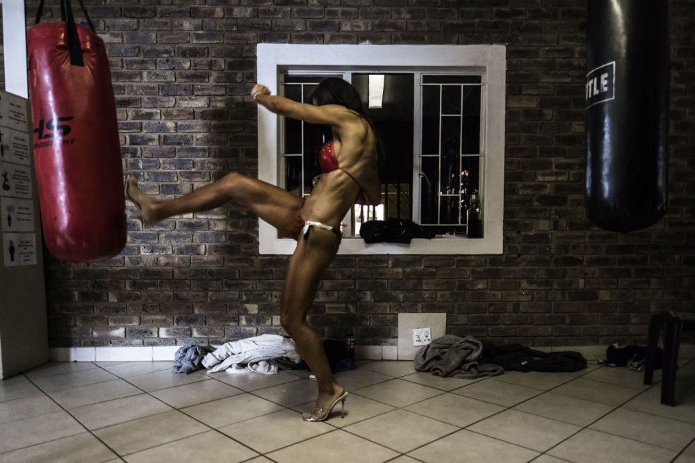Participante do concurso de culturismo Miss SA Xtreme fitness and bodybuilding realizado na África do Sul