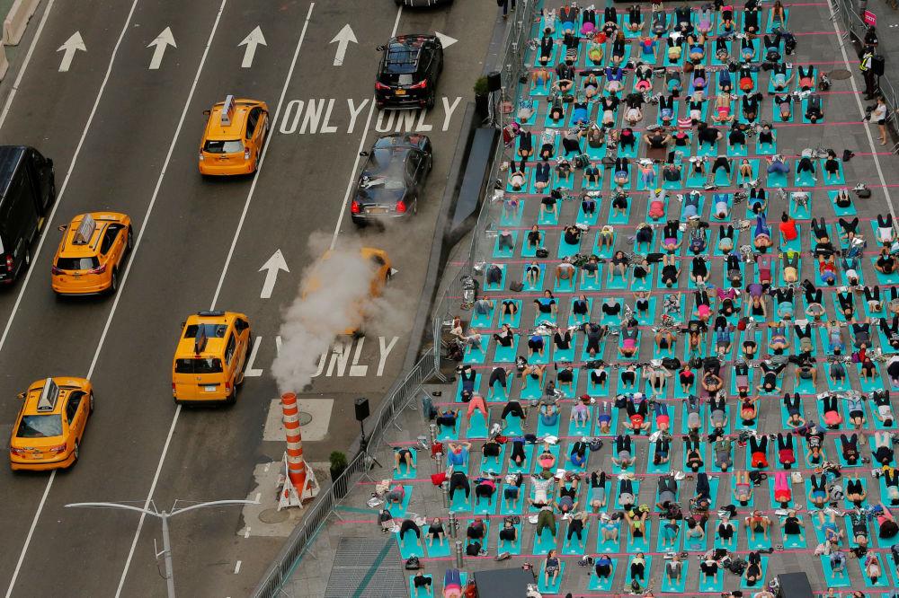 Flash mob de yoga em Nova York