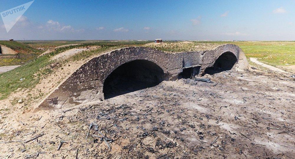 Base aérea de Shayrat após ataque norte-americano de abril de 2017