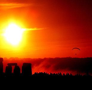 Festa de solstício em Stonehenge