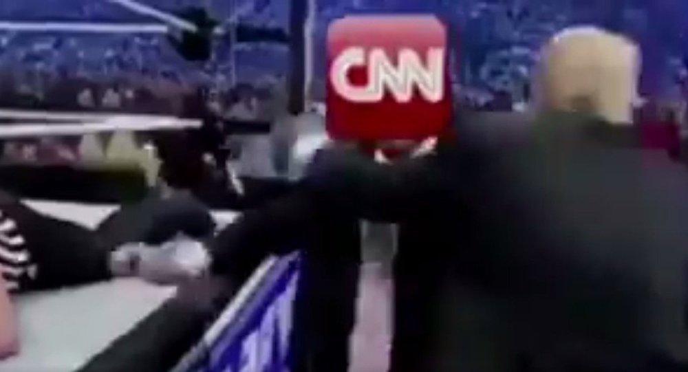 No ringue: Trump publica vídeo em que 'espanca' rede de TV CNN