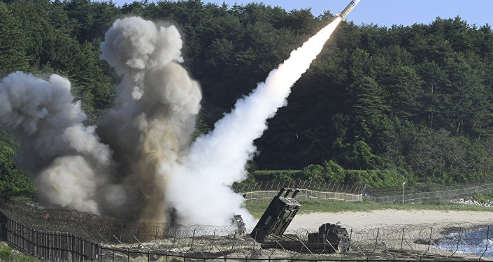 Lançamento de mísseis durante treinamentos conjuntos entre EUA e Coreia do Sul em 5 de julho de 2017