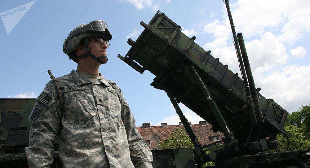 Uma bateria do sistema de defesa aérea dos EUA Patriot, que está instalado na cidade polonesa de Morag (foto de arquivo)