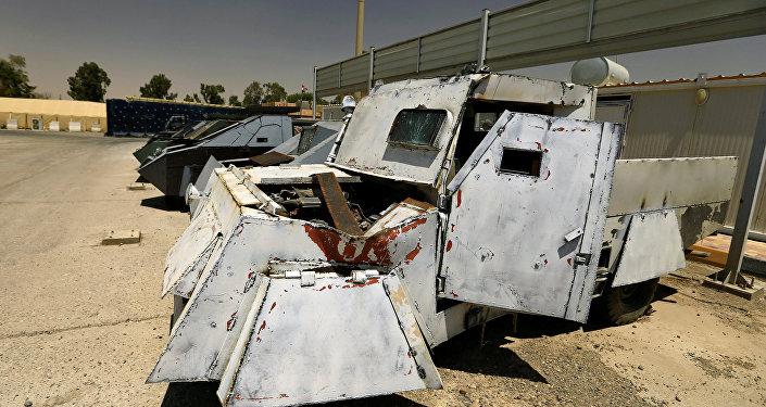 Veículos feitos por militantes do grupo terrorista Daesh, que foram confiscados pela Polícia do Iraque em Mossul