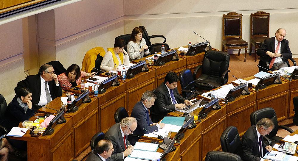 Senado chileno aprova descriminalização do aborto em casos de estupro ou risco