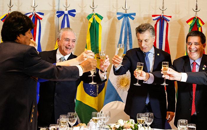Almoço de trabalho dos senhores Presidentes dos Estados membros do Mercosul, Estados associados, México e convidados especiais