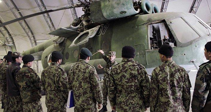 Treinamento dos futuros soldados da Força Aérea do Afeganistão