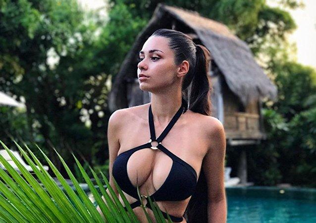 Helga Lovekaty, modelo russa