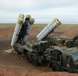 Sistema de defesa antiaérea S-400