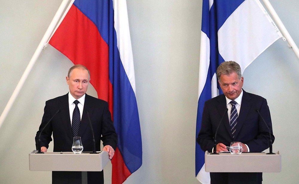 Vladimir Putin e Sauli Niinisto deram uma conferência de imprensa em conjunto na sequência de conversações bilaterais.
